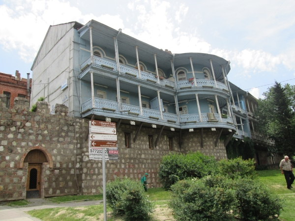 Balkonhaus im Zentrum von Tbilissi