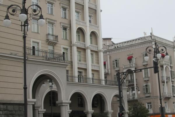 Allgemeine Reiseinformationen, Mardschanischwili-Platz in Tbilissi