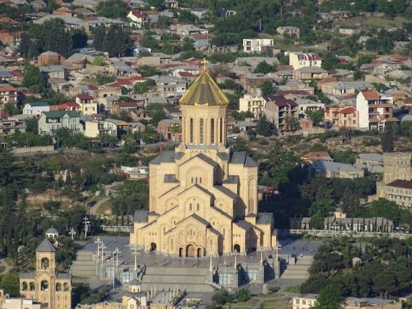 Georgiens himmlische Klöster, Sameba-Kathedrale